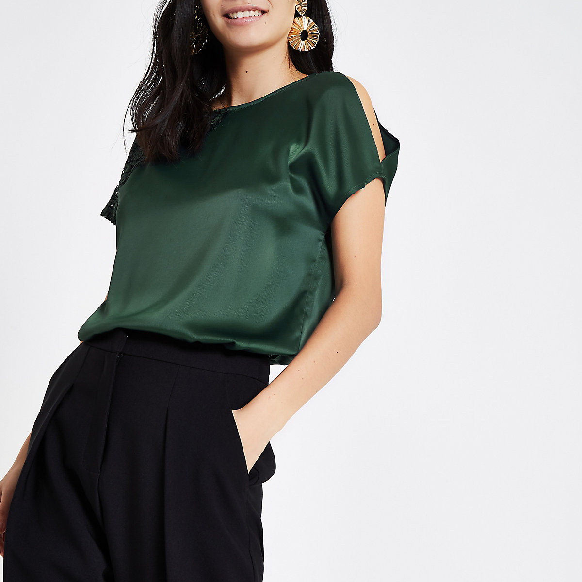 Green asymmetric lace cut out sleeve T-shirt
