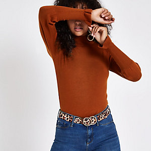 Brown turtle neck long sleeve jumper