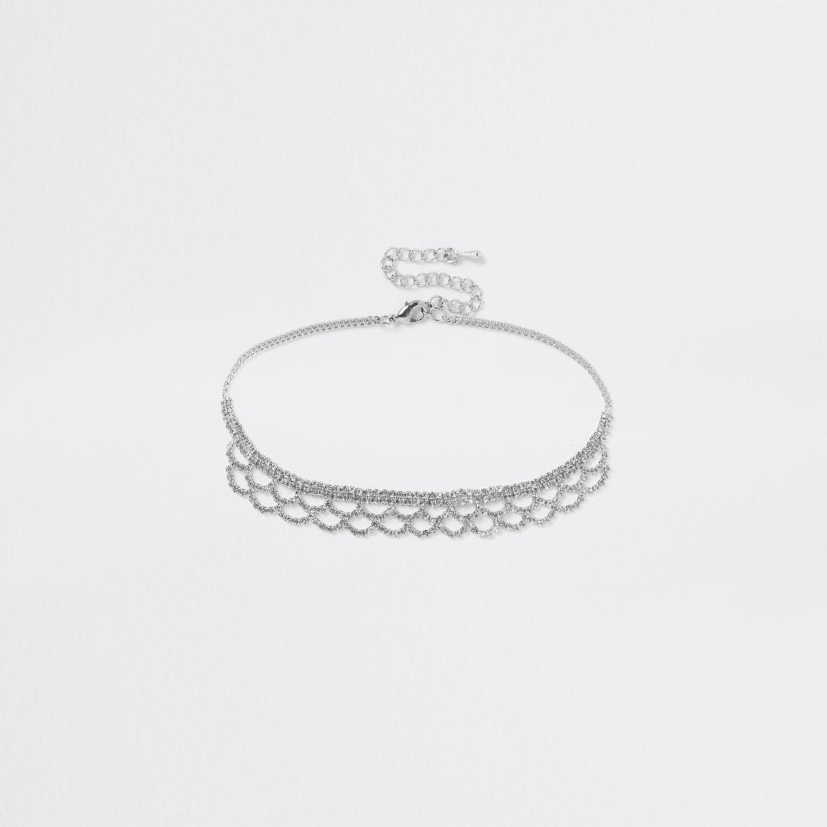 Silver tone scallop cup chain choker