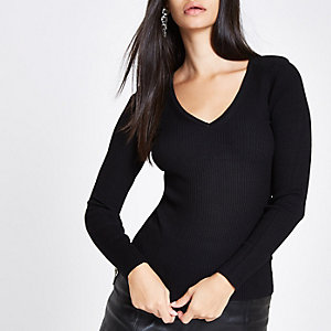 Black knit ribbed shoulder padded V neck top