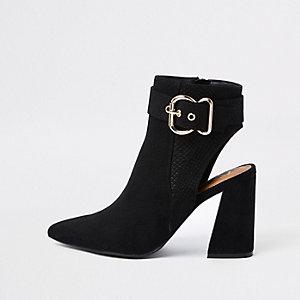 Zwarte suède puntige schoenlaarsjes met gesp