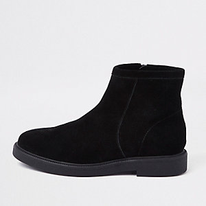 Bottines noires à petit talon