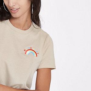 """Beiges, verziertes T-Shirt """"maybe baby"""""""
