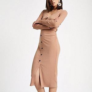 Geknöpftes Bodycon-Kleid in Hellbeige