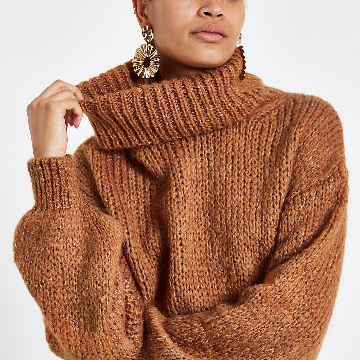 Brown roll neck long sleeve knit sweater