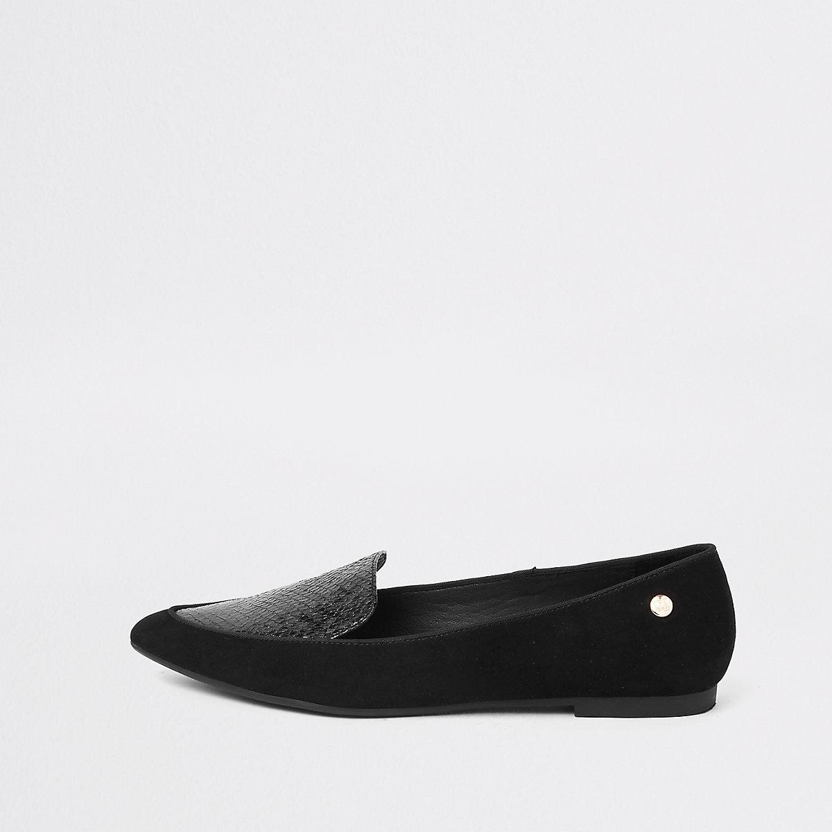 Zwarte puntige loafers met brede pasvorm