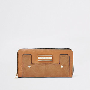 Light brown zip around purse