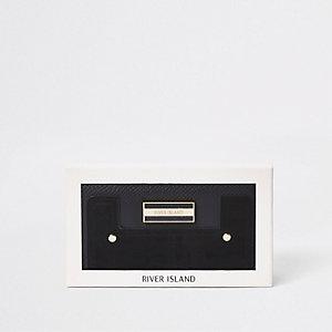 Zwarte portemonnee met rits rondom en gemengd paneel in cadeauverpakking