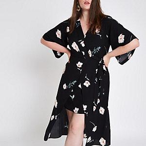 Plus – Robe portefeuille à cleurs noire à manches kimono