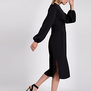 Robe mi-longue noire à manches longues