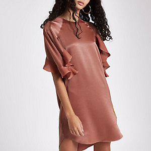 Dark pink frill sleeve swing dress