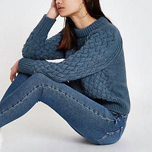 Blauer, langärmliger Pullover mit Zopfmuster