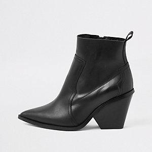 Bottines en cuir noir style western
