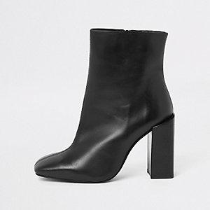 Zwarte leren laarzen met blokhak en vierkante neus