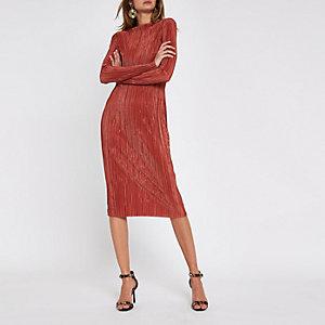 Rode plissé midi-jurk met strikceintuur