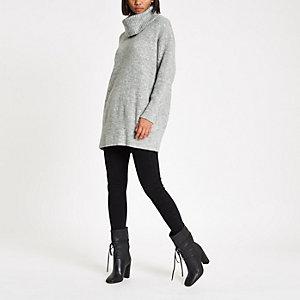 Robe pull en maille gris clair à col roulé