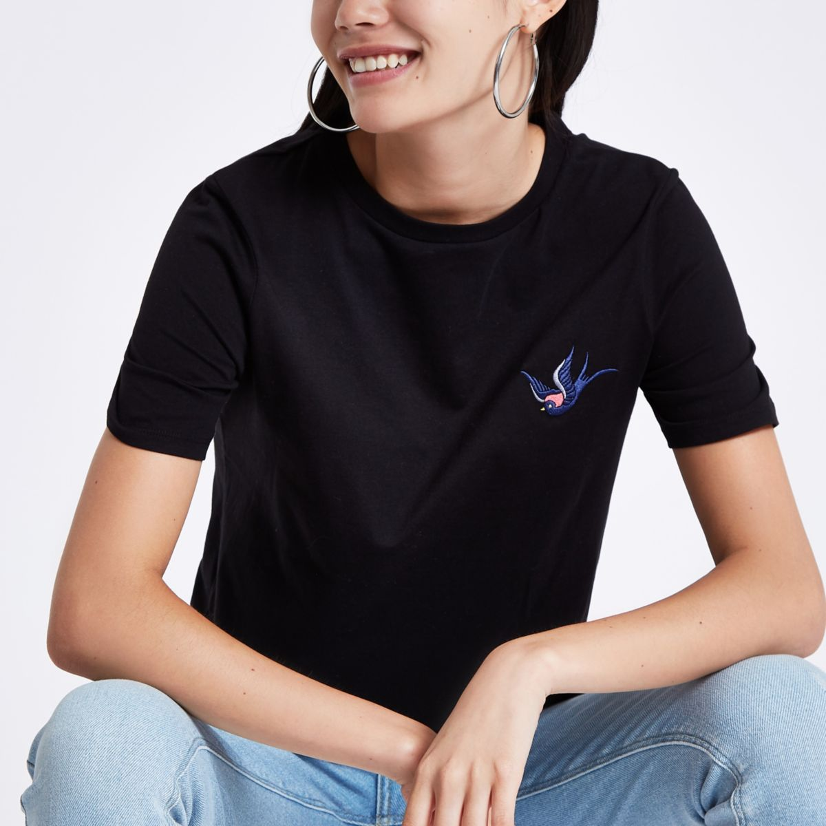 Black swallow embroidered T-shirt