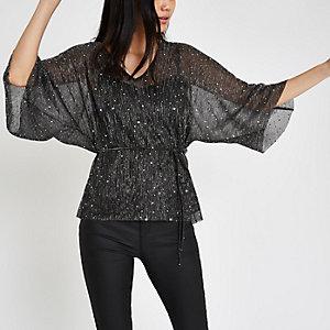 Top plissé noir à sequins et manches kimono