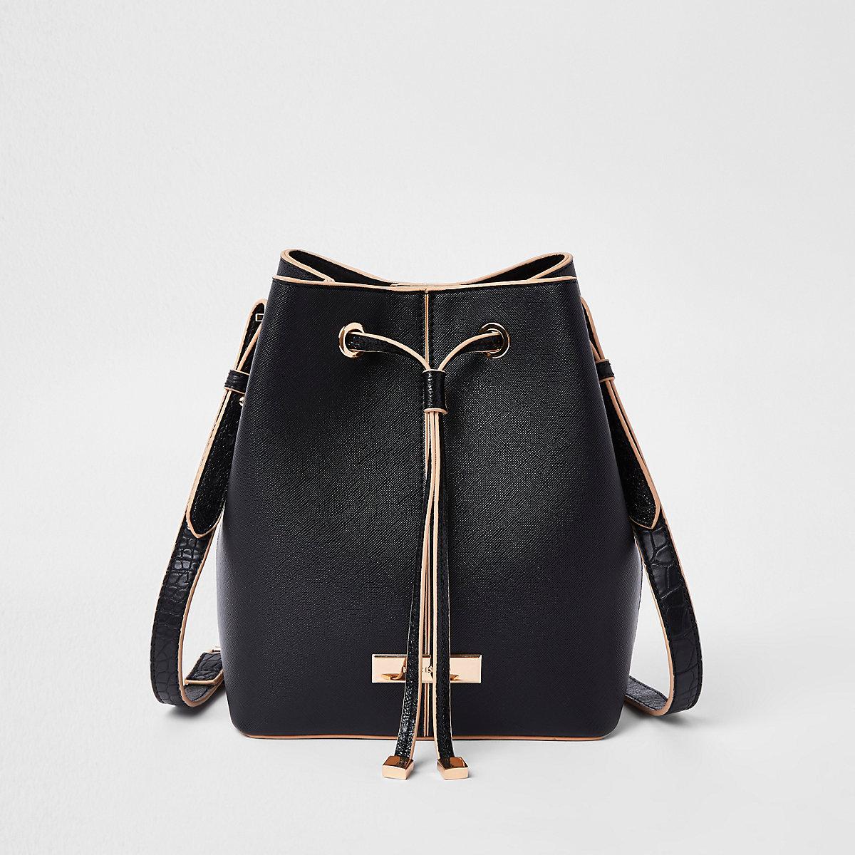 Schwarze Duffle-Tasche aus Lederimitat