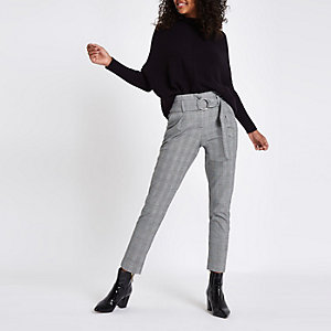Black check ring belt peg pants