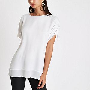 Weißes T-Shirt mit transparentem Saum