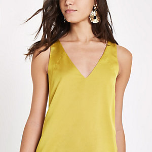 Yellow V neck sleeveless bar back top