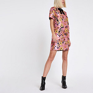 Pink floral jacquard shift dress