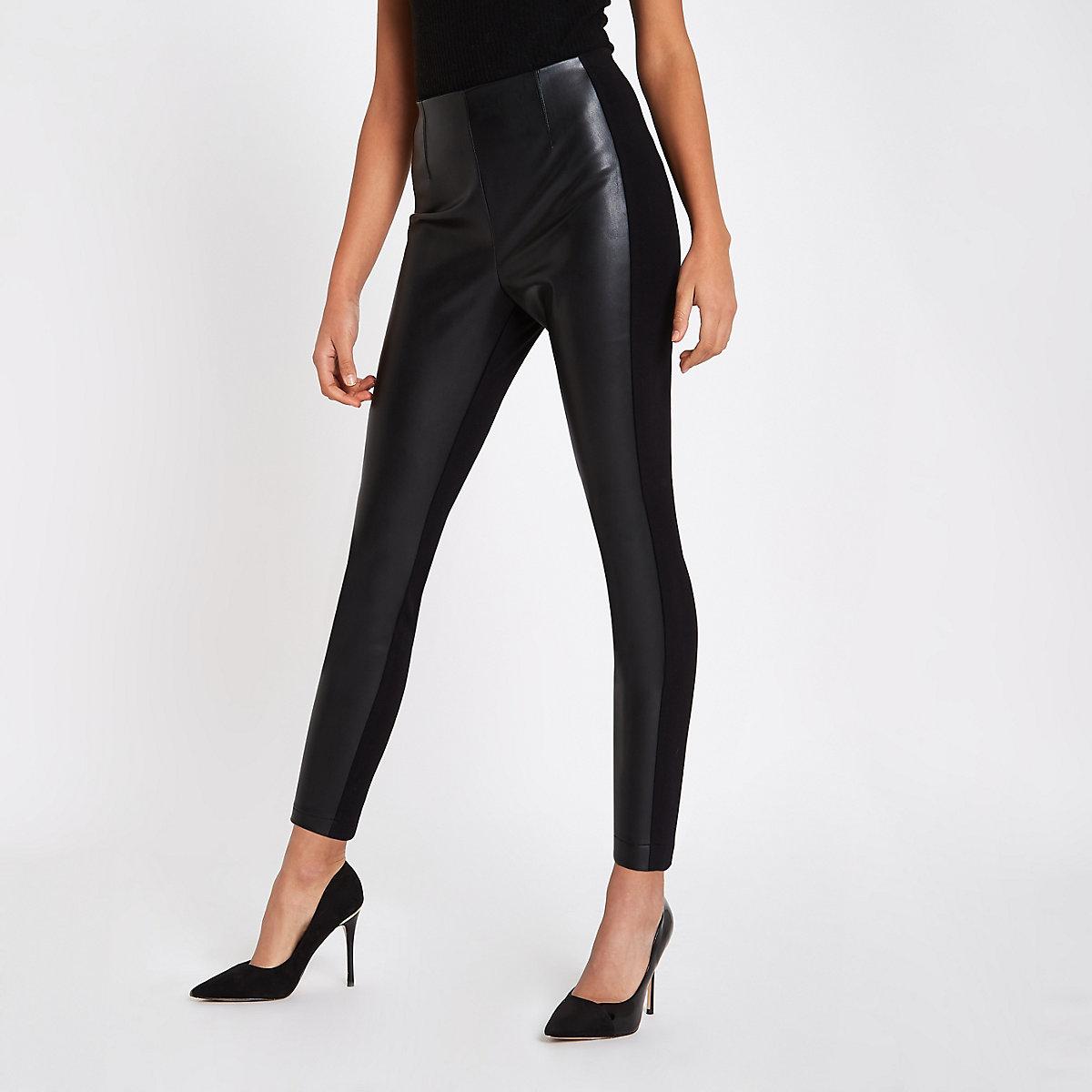 Schwarze Leggings aus Lederimitat