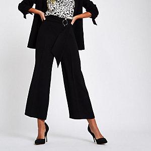 Zwarte cropped broekrok met wijde pijpen en riem