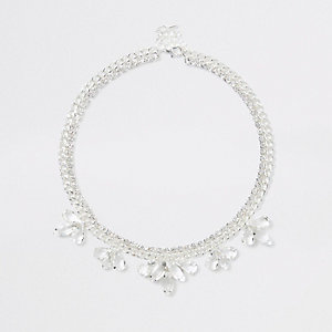 Silver tone flower jewel necklace