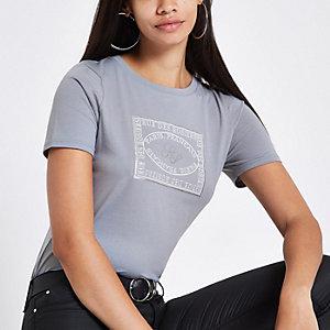 T-shirt ajusté bleu imprimé « Rue des rosiers »
