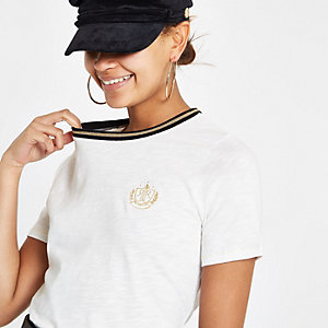 White crest embroidered fitted T-shirt
