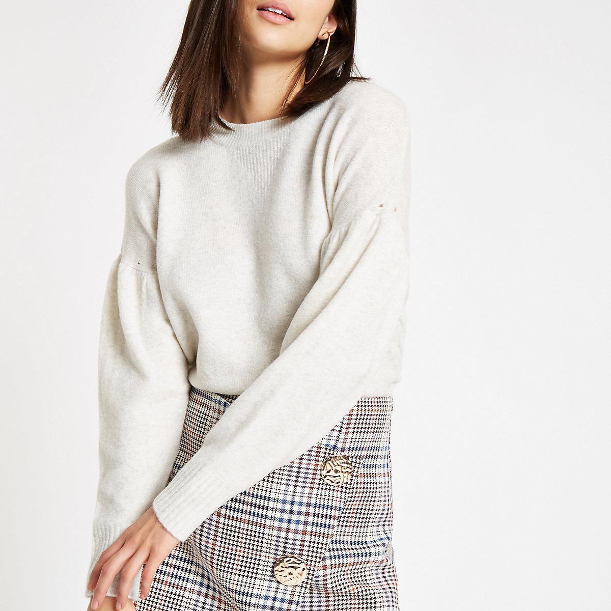 Cream puff sleeve knit sweater