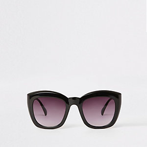 Rechthoekige zwarte glamour zonnebril met glazen in de kleur smoke