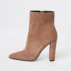 Light brown suede pointed toe block heel boot