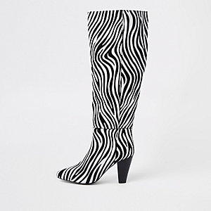 Schwarze, kniehohe Lederstiefel mit Zebraprint