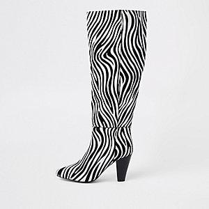 Zwarte leren laarzen tot over de knie met zebraprint