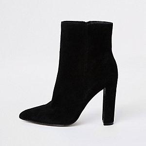 Zwarte suède puntige laarzen met blokhak
