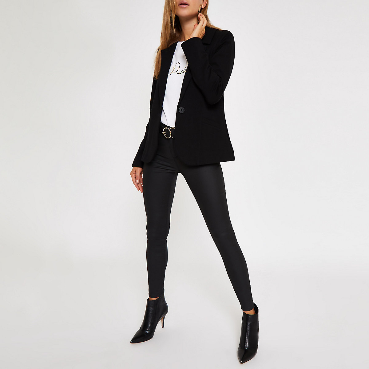 Black long sleeve fitted knit blazer