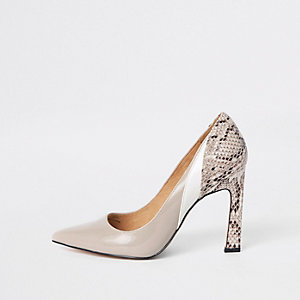 Beige snake print panel pumps