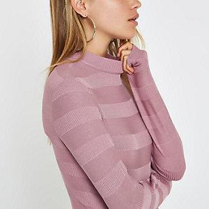Hochgeschlossener, gerippter Pullover in Rosa