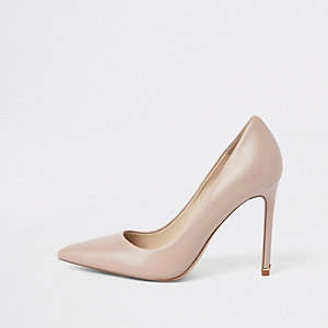 Light pink leather pumps