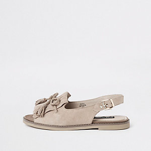 Beige suède peeptoe sandalen met kwastjes voor