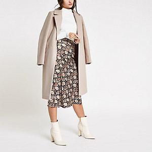 Langer, einreihiger Mantel in Creme