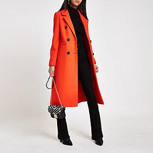 Langer, zweireihiger Mantel in Rot