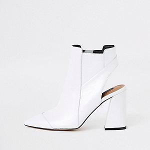 Witte leren schoenlaarsjes met open achterkant