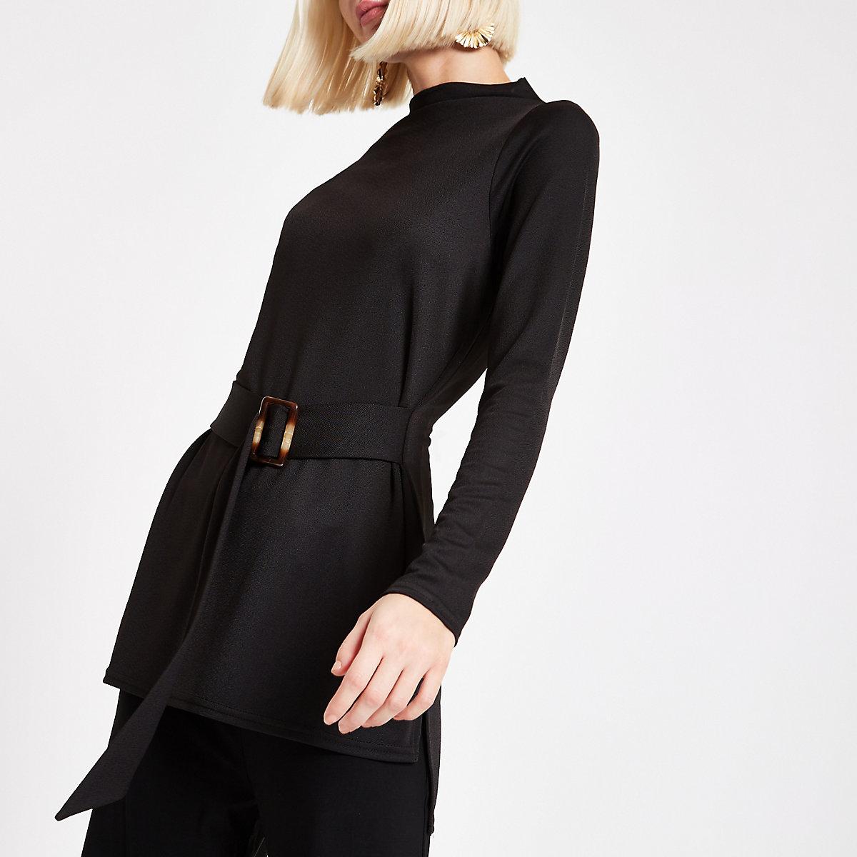 Zwarte tuniek met ceintuur en lange mouwen