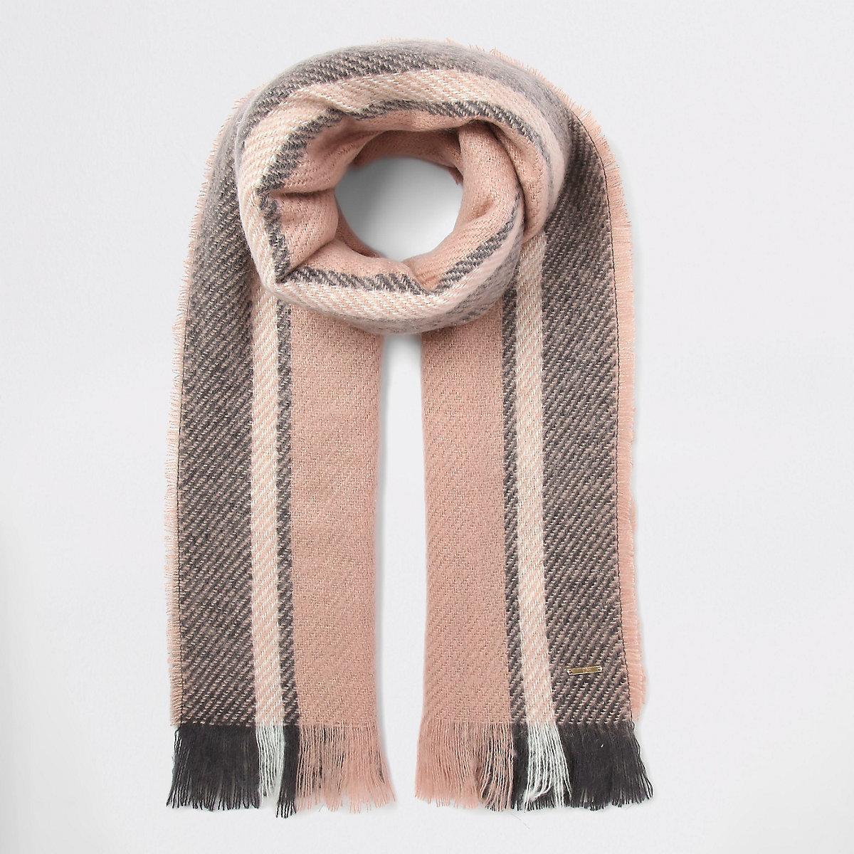 Pink stripe fluffly scarf