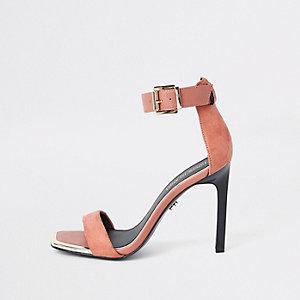 Barely There – Sandalen in Orange mit rechteckiger Zehenpartie