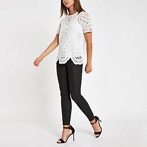 Wit ruimvallend T-shirt met kant
